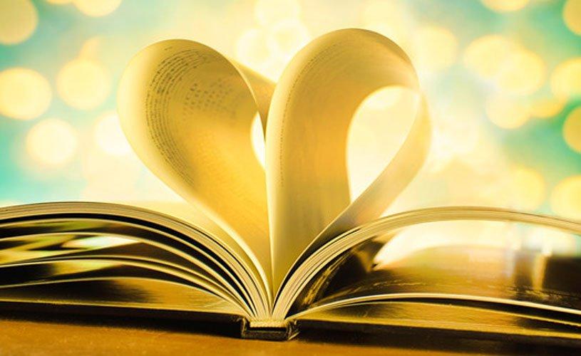 Sorteio e evento celebram 8 anos de Cheiro de Livro